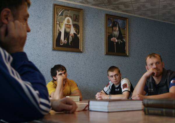 Лечение алкоголизма в монастырях и церквях: принципы помощи