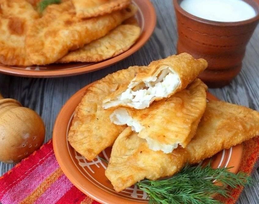 Чебуреки с мясом - очень удачное хрусткое тесто с пузырьками на кипятке, кефире или с водкой