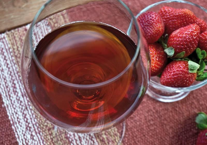 Вино из клубники в домашних условиях — рецепты и рекомендации