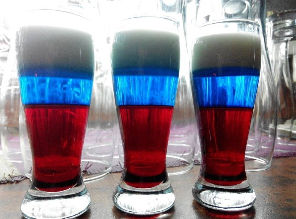 Как сделать коктейль российский флаг в домашних условиях