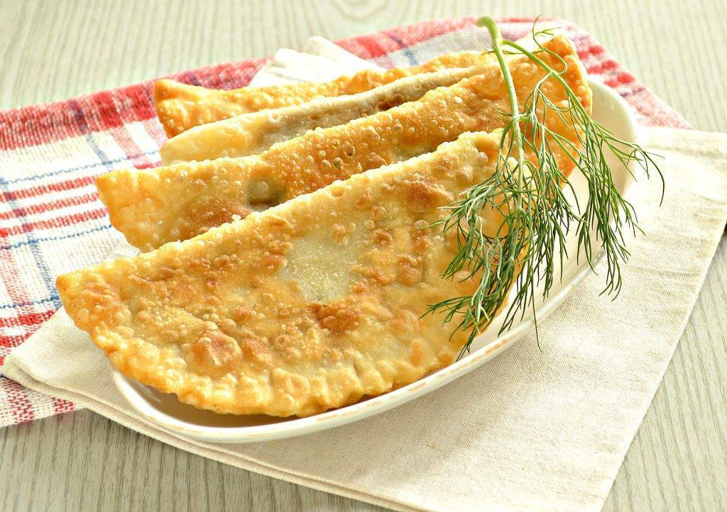 Как приготовить тесто на чебуреки с водкой по пошаговому рецепту с фото