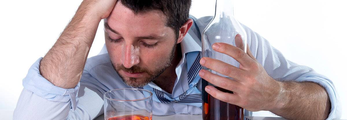 Как помочь алкоголику бросить пить?