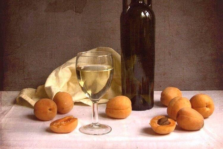 Абрикосовое вино в домашних условиях: рецепт с видео