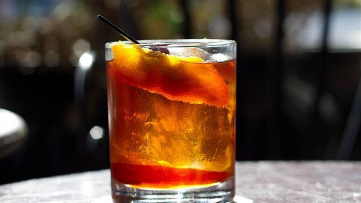 Коктейль олд фэшн (олд фешен, old fashioned): классический рецепт – 3 вариации