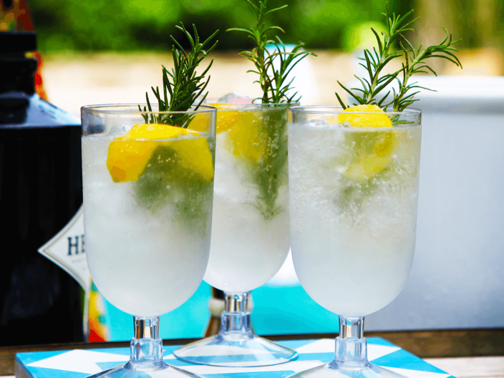 Рецепты алкогольных коктейлей с шампанским