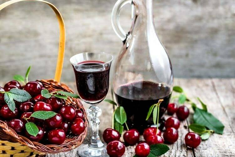 Топ-14 классических и необычных рецептов вина из калины в домашних условиях