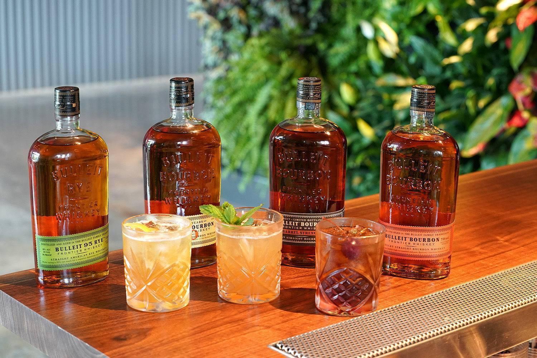 Виски «буллет бурбон фронтье» (bulleit bourbon) зерновой 0,7л крепость 45%