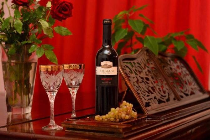 Обзор полусладкого вина ахашени | блог сомелье