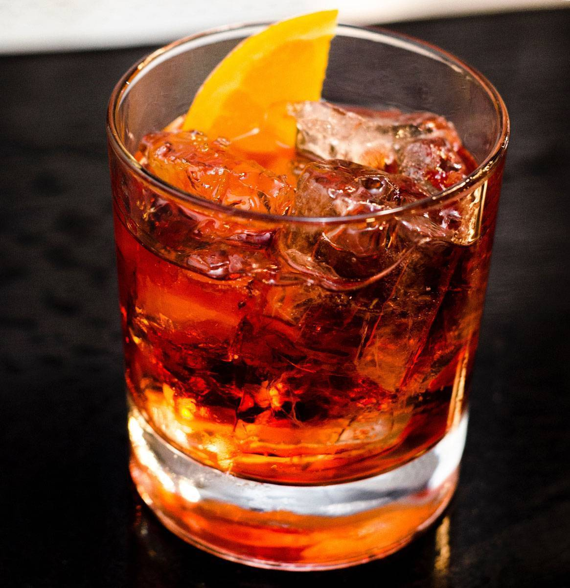 Как сделать коктейль негрони в домашних условиях. коктейль негрони (negroni) – история и рецепт приготовления коктейль негрони рецепт в домашних условиях