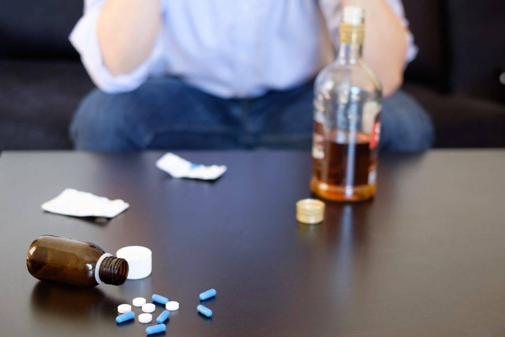 Таблетки от алкоголизма без рецептов: какие лекарства эффективны