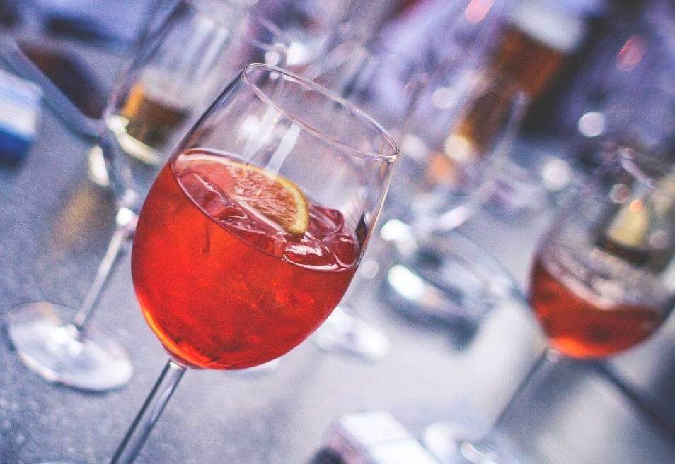 Коктейли с вином: ингредиенты, рецепты приготовления