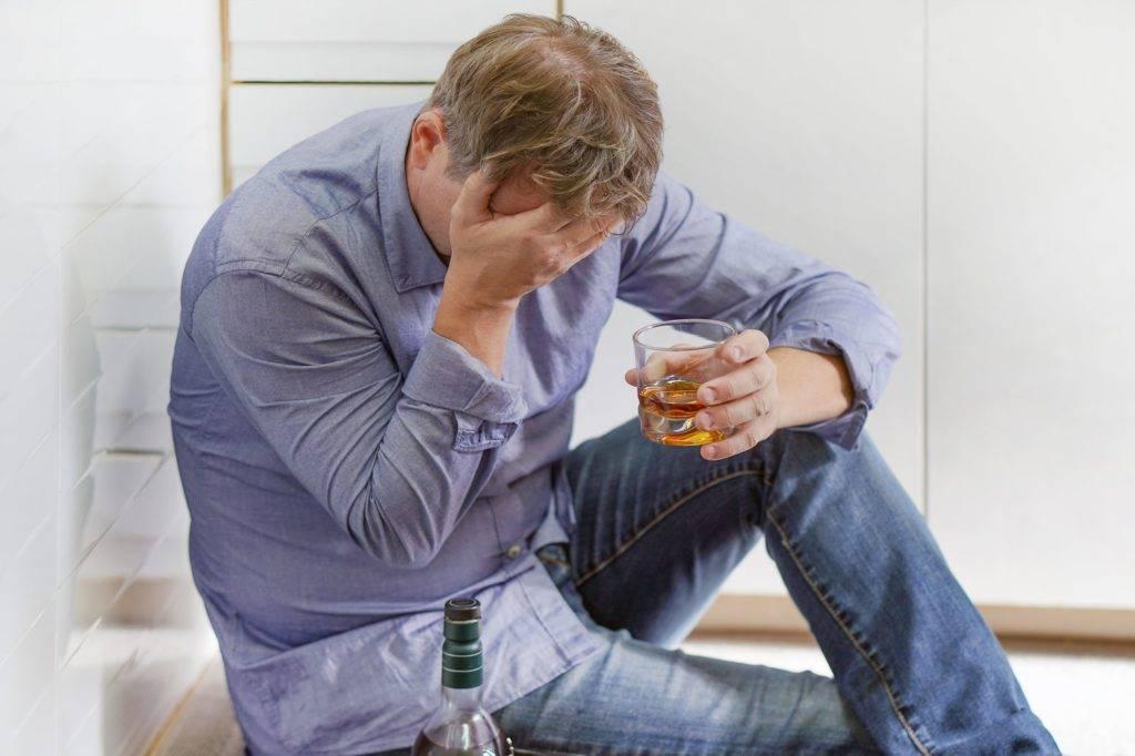 Стыдно после пьянки: что делать, причины, избавление
