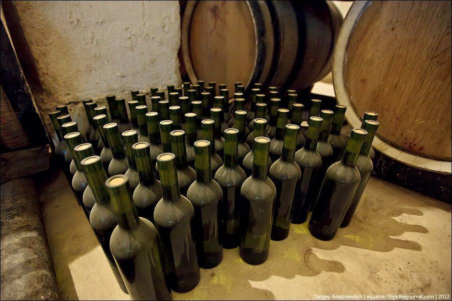 Правильная укупорка вина в домашних условиях
