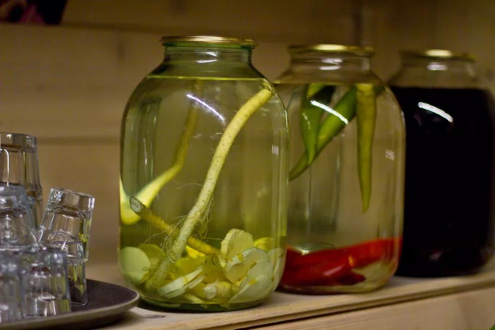 Хреновуха — 8 рецептов из водки в домашних условиях - советы