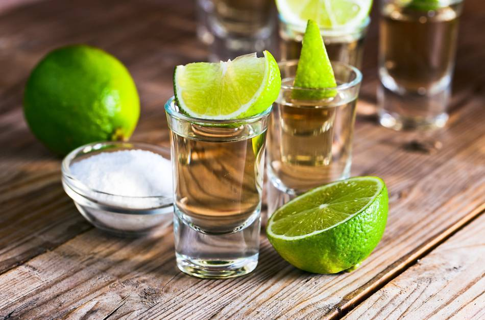 С чем смешивают текилу и чем её разбавляют? лучшие сочетания напитка