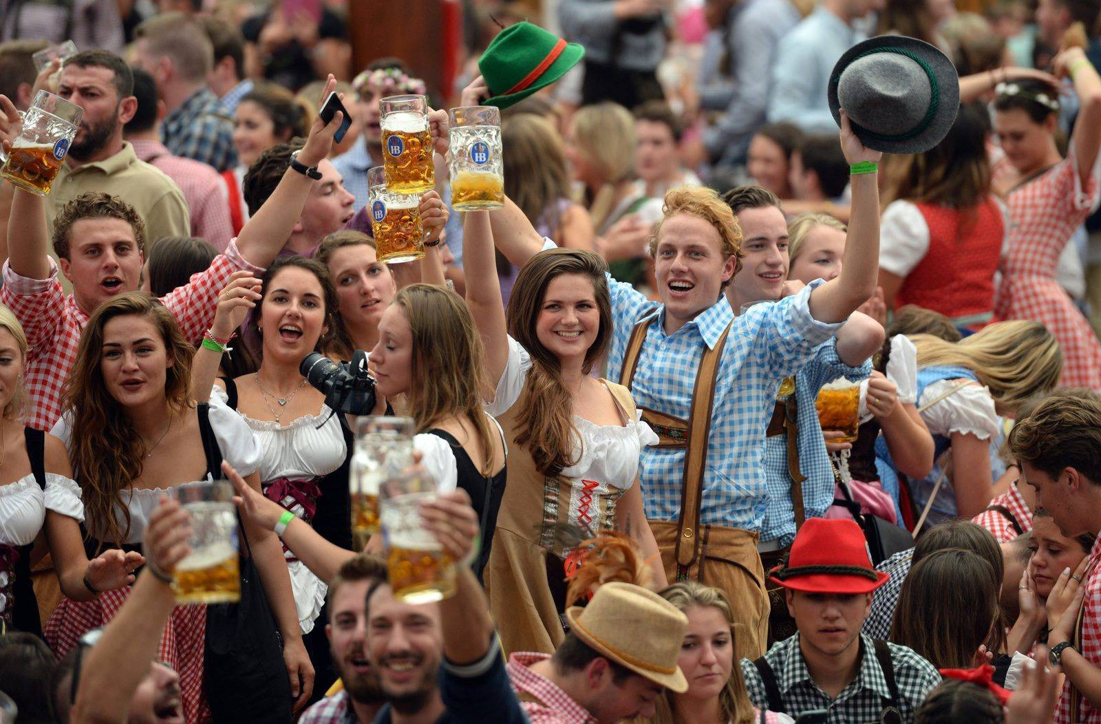 Самый популярный немецкий праздник октоберфест