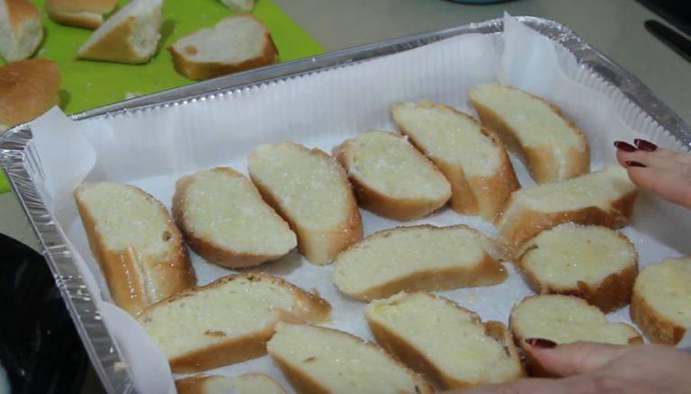 Как приготовить гренки с яйцом из батона и черного хлеба в микроволновке, на сковороде и в духовке? гренки из батона с яйцом и молоком сладкие: рецепт