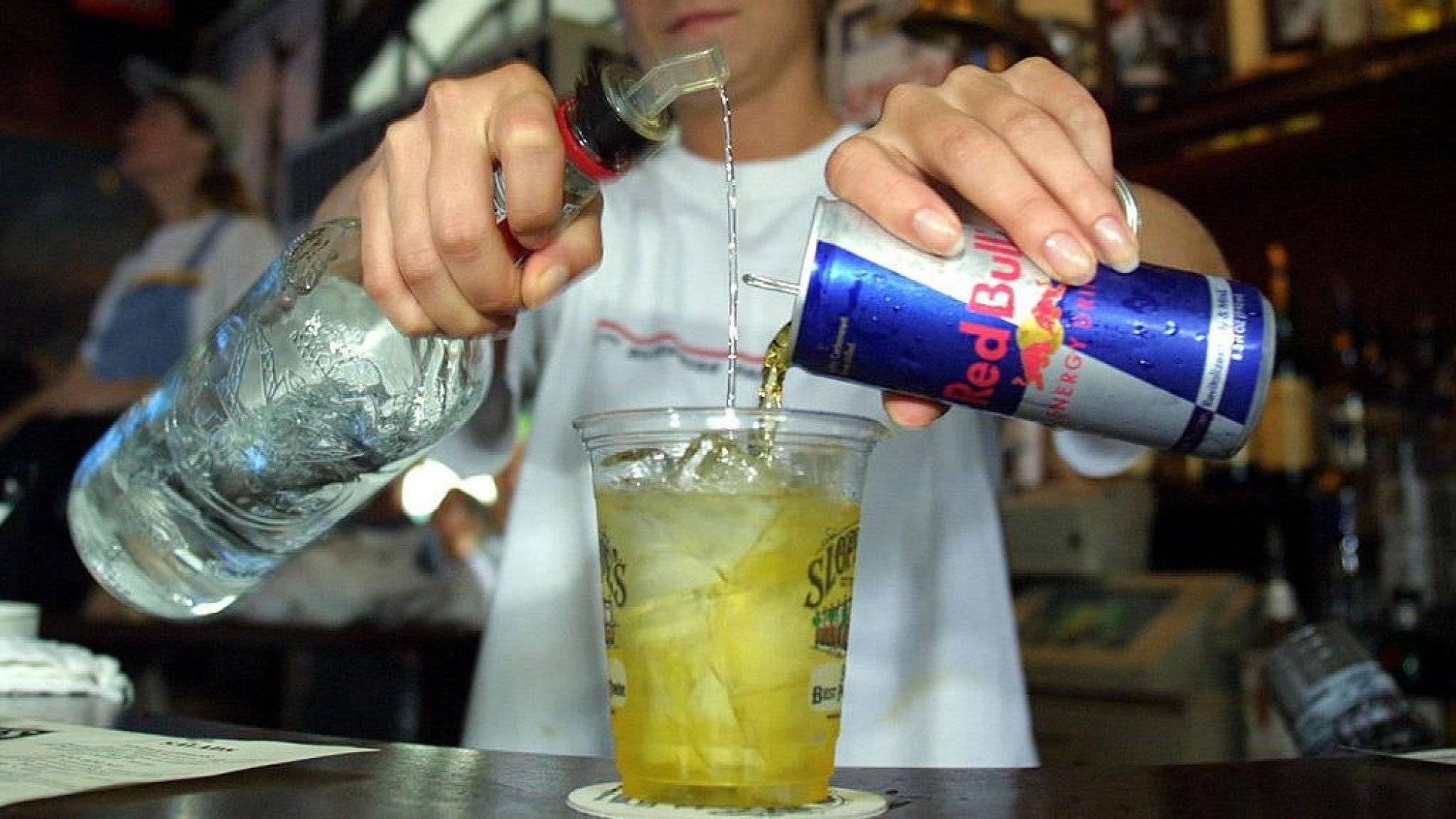 Опасный метод принятия спиртного – клизма из алкоголя