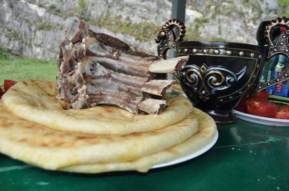 Осетинская кухня с традициями кавказских национальных блюд