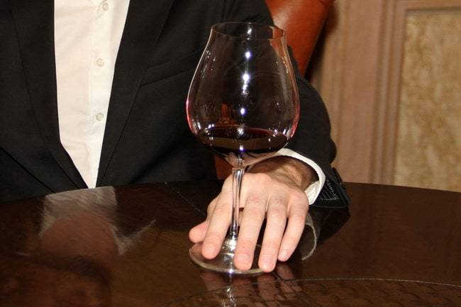 Правила употребления вина и шампанского