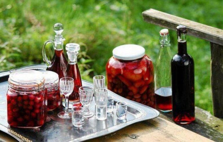 Вишневая наливка: 12 рецептов в домашних условиях