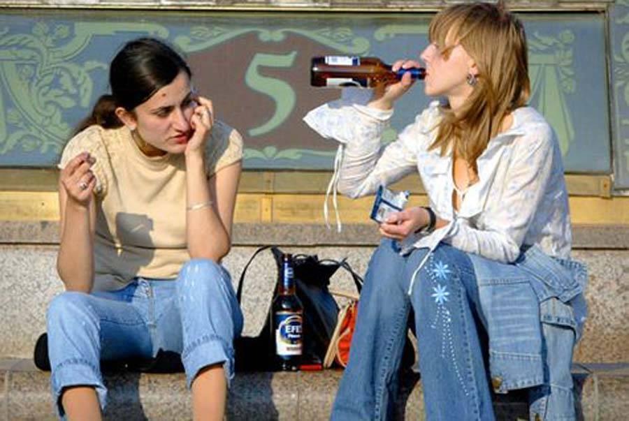 Можно ли пить безалкогольное и пиво в пакете на улице?