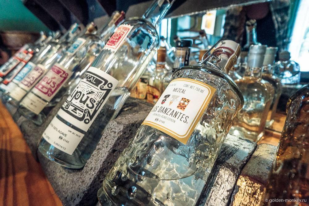 Как пить мескаль – мексиканское спиртное с червячком