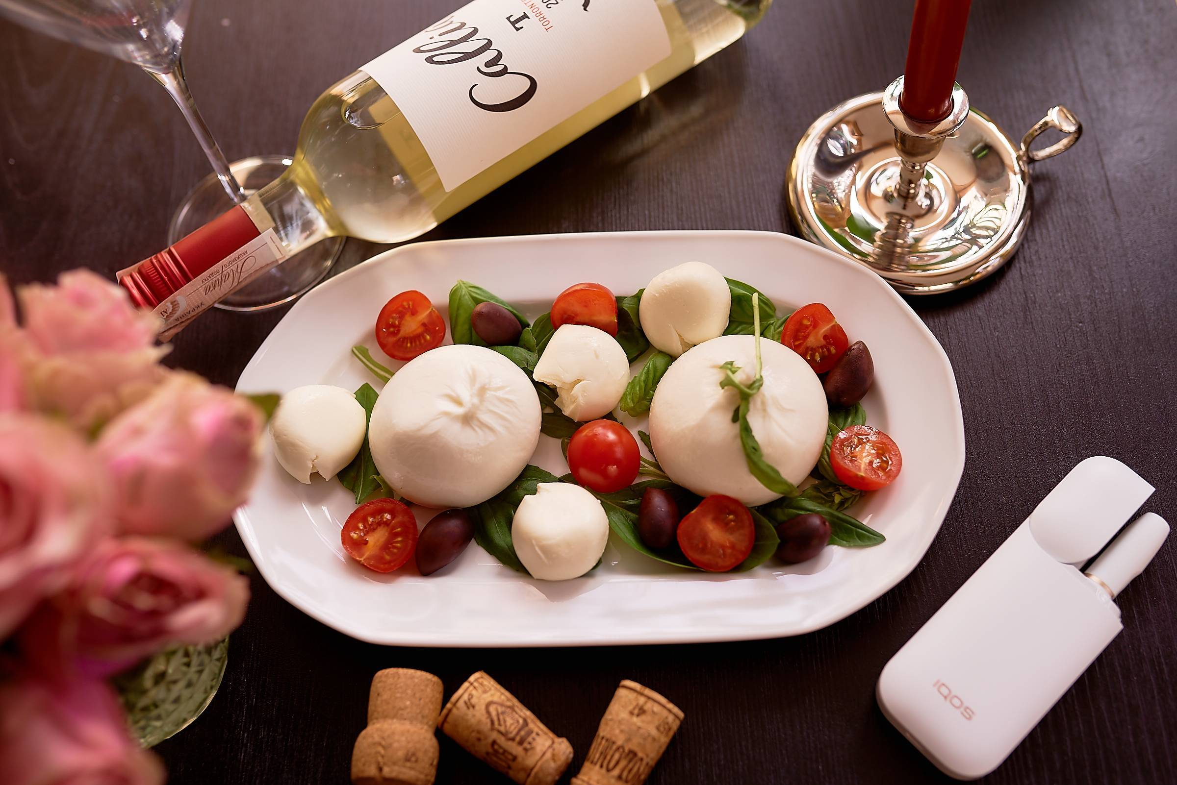 Низкокалорийные и полезные закуски, которые хорошо сочетаются с вином