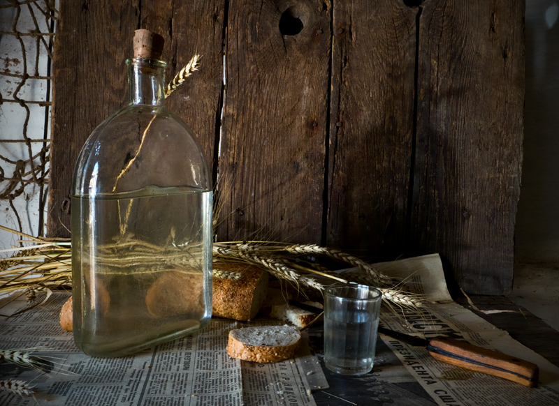 Отличия между водкой и самогоном. выбираем полезный напиток