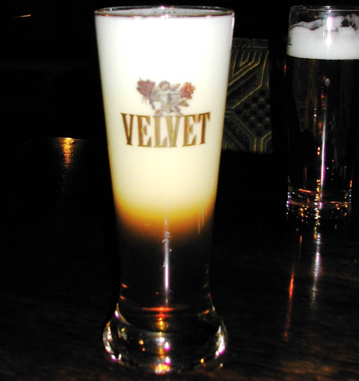 Виски black velvet («черный бархат»): описание, производитель, отзывы с чем сочитать и как пить виски