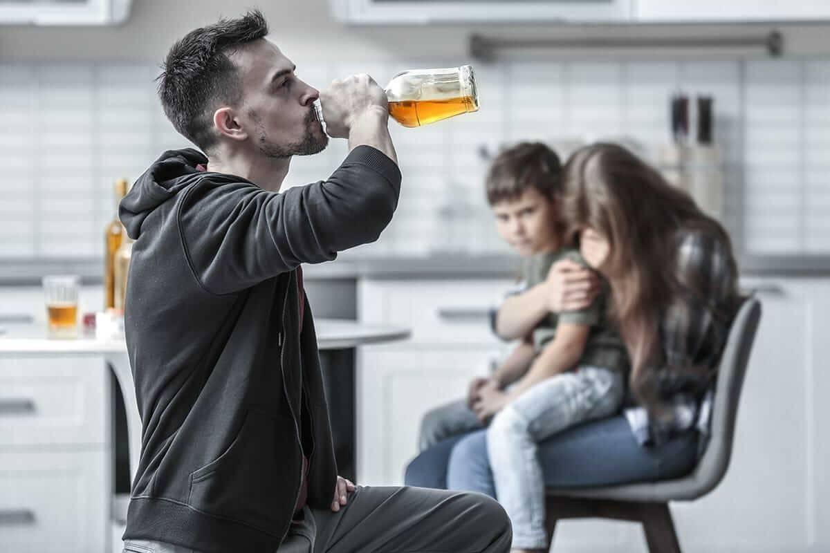 Муж алкоголик: жизнь с алкашом, что делать если надоел