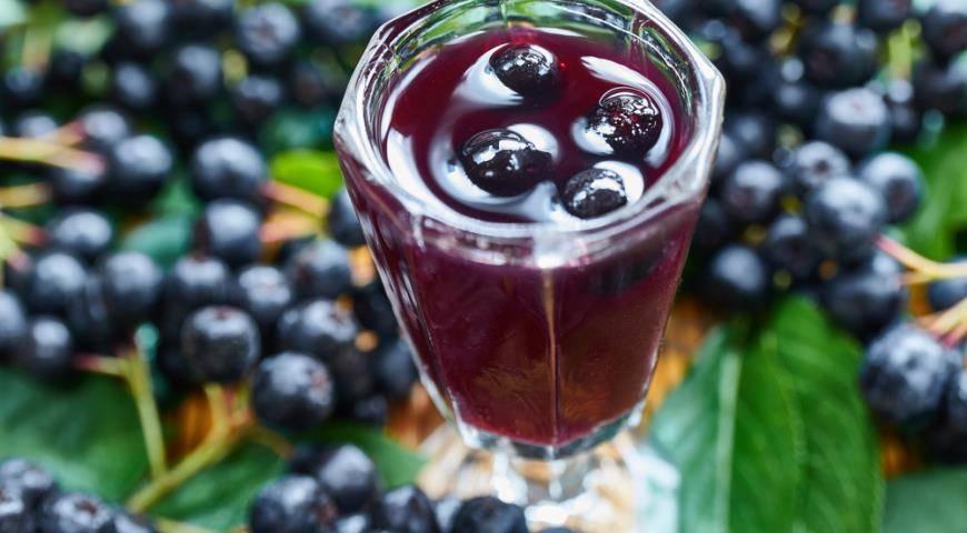 Ликер из черноплодной рябины в домашних условиях рецепты на водке на спирту - скороспел