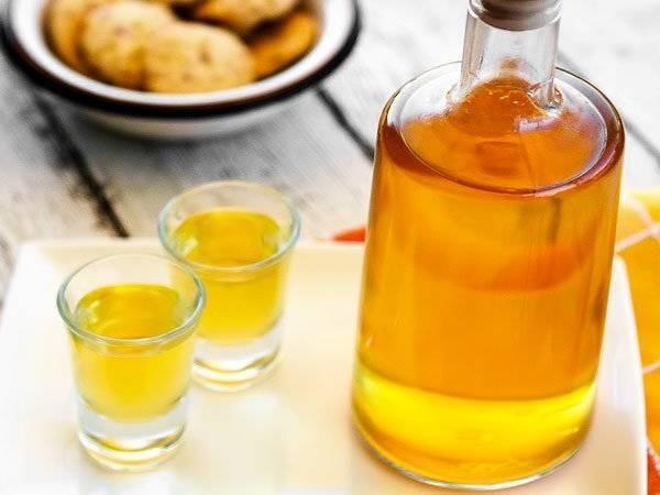 Рецепты абрикосовой настойки и способы устранения горечи