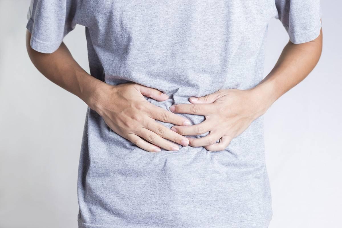 Постоянно болит желудок: симптомы и лечение