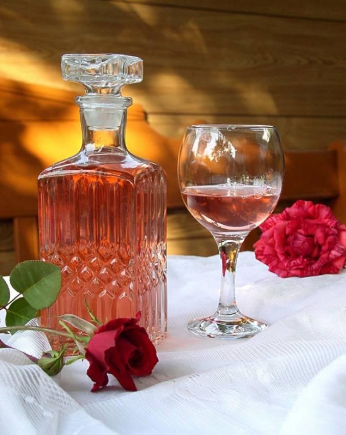 Настойка из лепестков роз рецепт - рецепты