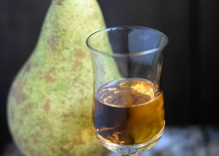 Как приготовить вино из вареной груши