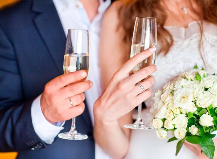 Прикольные тосты на свадьбу: креативные, короткие и смешные пожелания