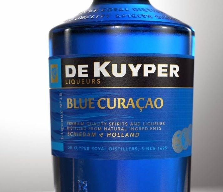 Разноцветный ликер blue curacao. история, домашнее приготовление, вкусные коктейли с блю кюрасао