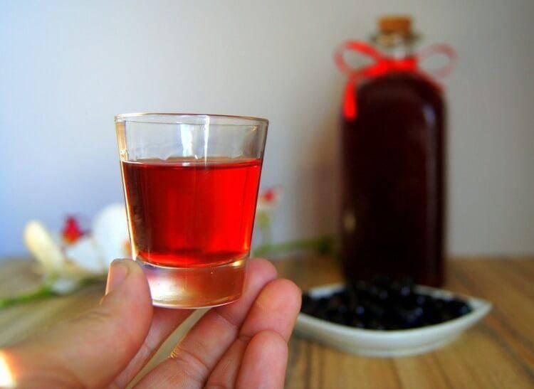 Настойка корицы на водке (самогоне, спирте) – рецепт с медом и правила приготовления напитка