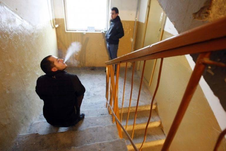 Как выселить из квартиры соседа алкоголика