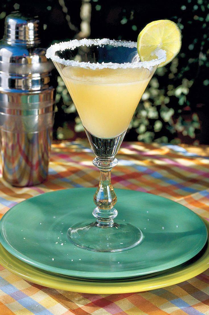 Новогодние рецепты: коктейли с ликером