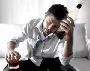 Почему с похмелья потеешь: после запоя и пьянки, ночью во сне