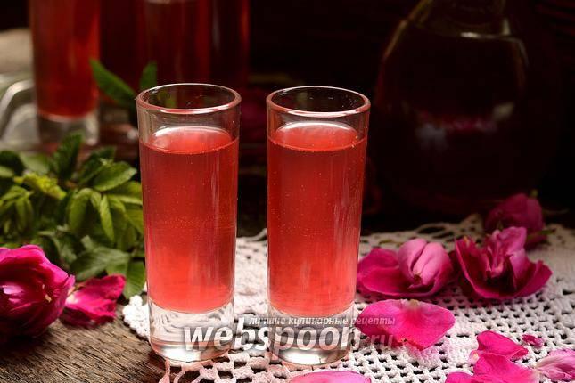 Настойка из лепестков роз на водке применение — сад и огород