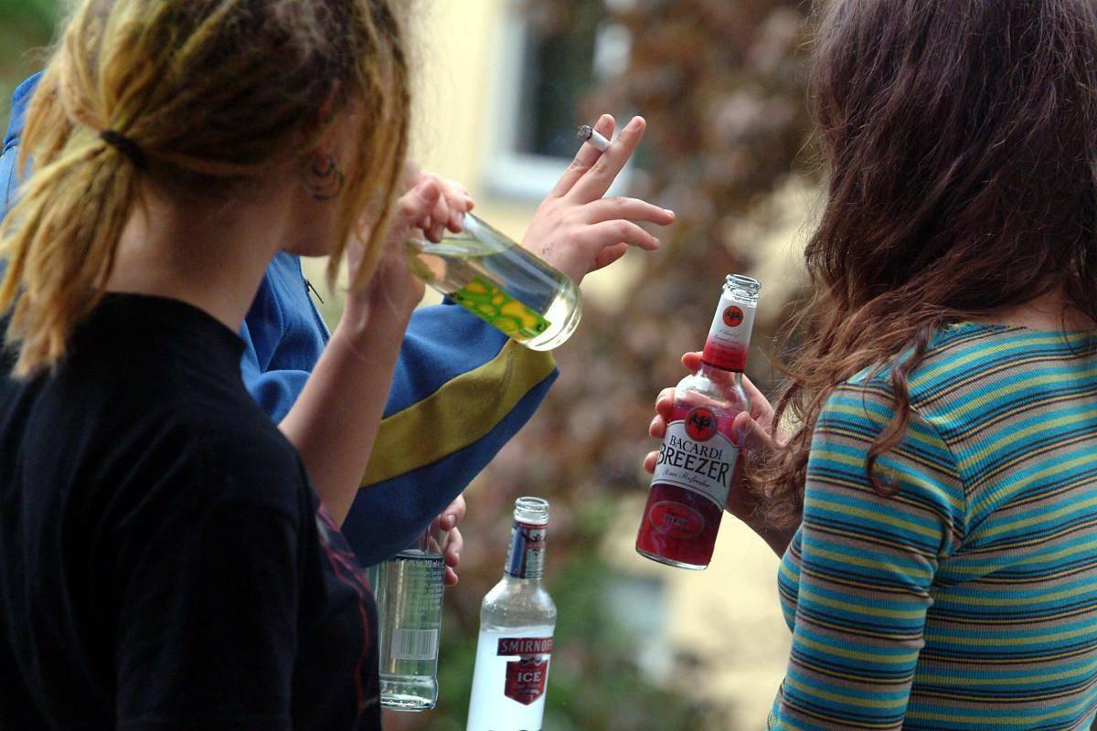 Подростковый алкоголизм: причины, последствия с видео и особенности лечения | suhoy.guru