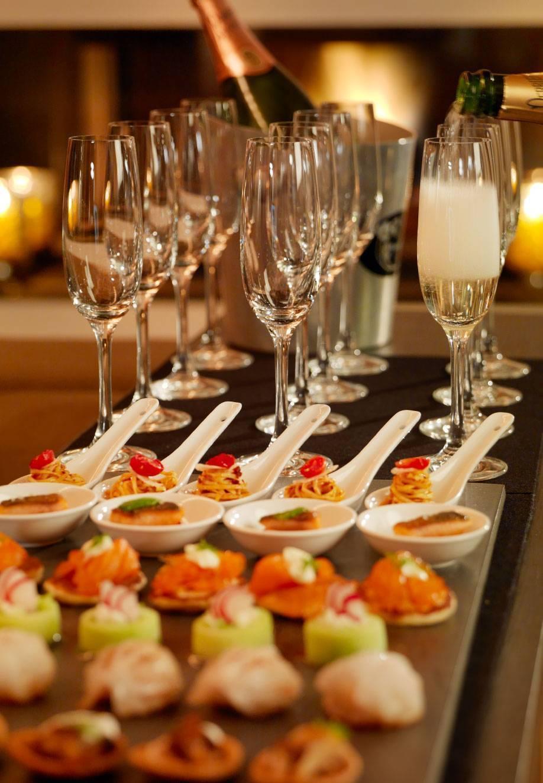 Чем закусывать шампанское - как готовить канапе, тосты, тарталетки, салаты, вторые и сладкие блюда