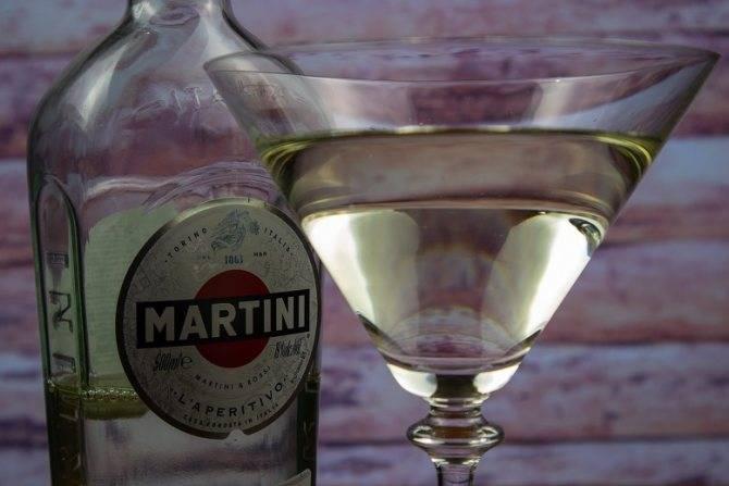 """Пьем и закусываем """"мартини розато"""" правильно"""