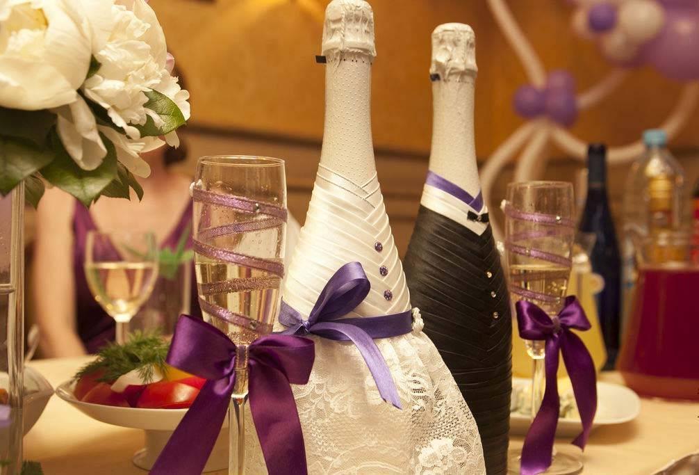 Как украсить бутылку шампанского на свадьбу, идеи декора свадебных бутылок и бокалов