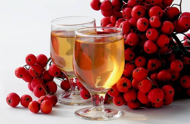 Домашнее вино из рябины красной, 3 популярных рецепта