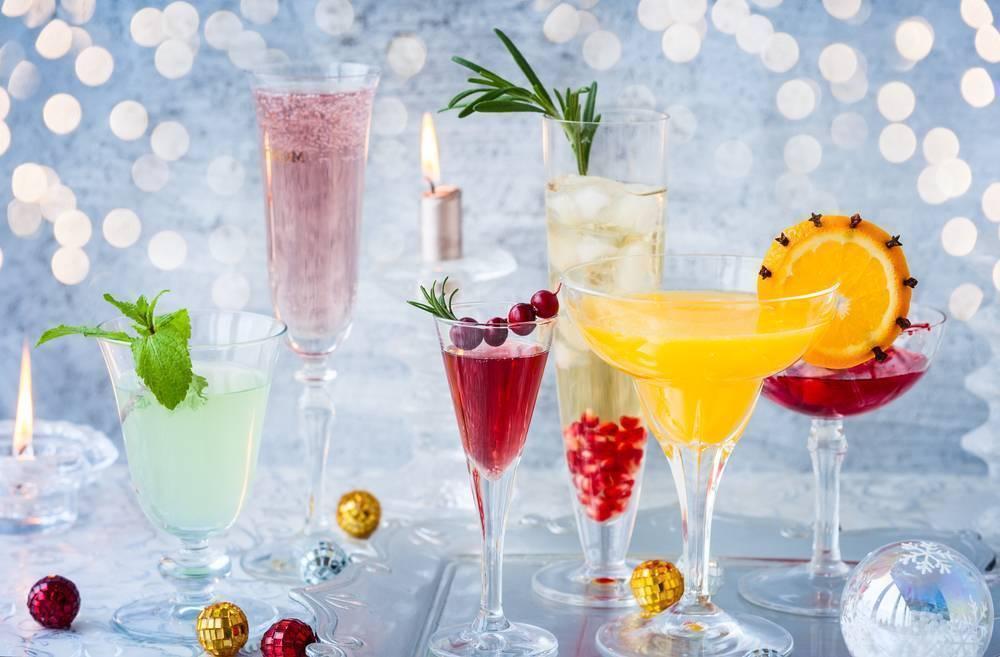 Алкогольные и безалкогольные напитки на новый год 2016