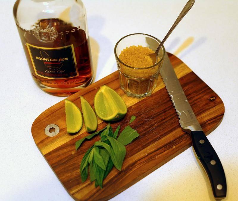 Топ-6 закусок к рому. что за напиток, как правильно пить
